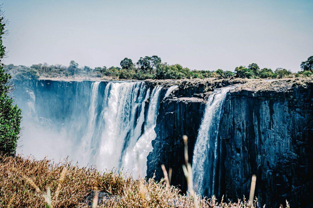 books-set-in-zimbabwe-zimbabwe-novels-header